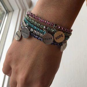 Touchstone Crystal 5 piece stretch bracelets